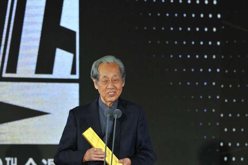 《王子》雜誌創辦人蔡焜霖,昨獲頒金漫獎特別貢獻獎。(文化部提供)