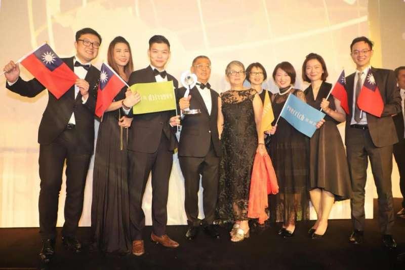 昇恆昌創辦人江松樺4日獲得素有「旅遊零售奧斯卡獎」之稱的Frontier Awards終身成就獎(Lifetime Achievement)。(資料照,取自吳秀光臉書)