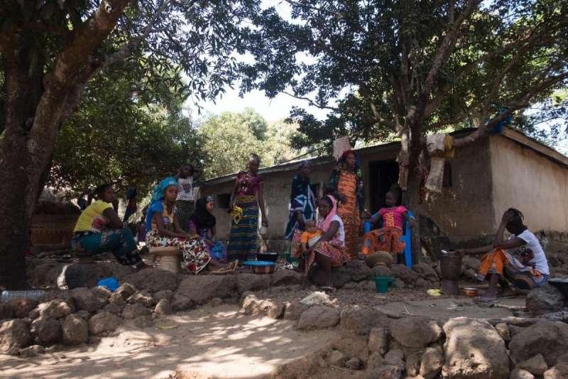 中國企業在西非國家幾內亞大肆開採鋁礦,嚴重破壞環境(© 2018 Ricci Shryock for Human Rights Watch)