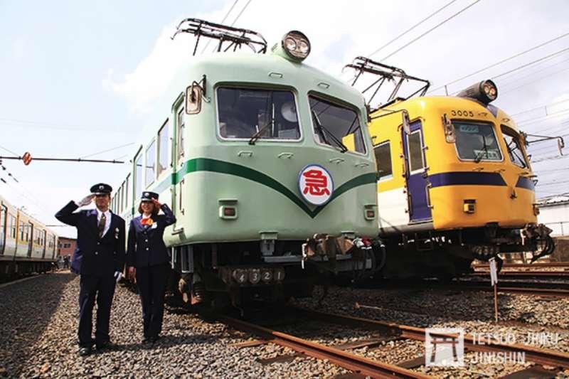 一畑電車將來自南海電鐵的3000形,恢復成南海舊塗裝,並舉辦攝影會,也吸引不少鐵道迷熱情參與。(攝影:陳威臣 想想論壇提供)