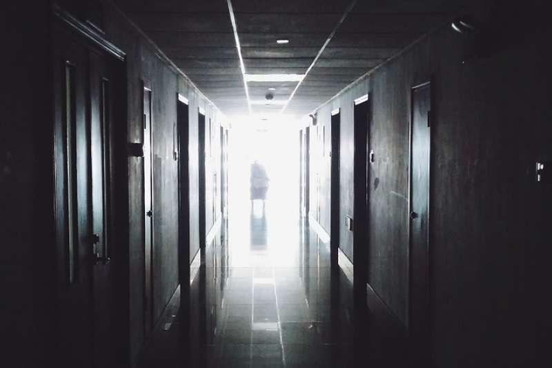 醫院 臨終 善終 照護(取自Foundry@pixabay/CC0)