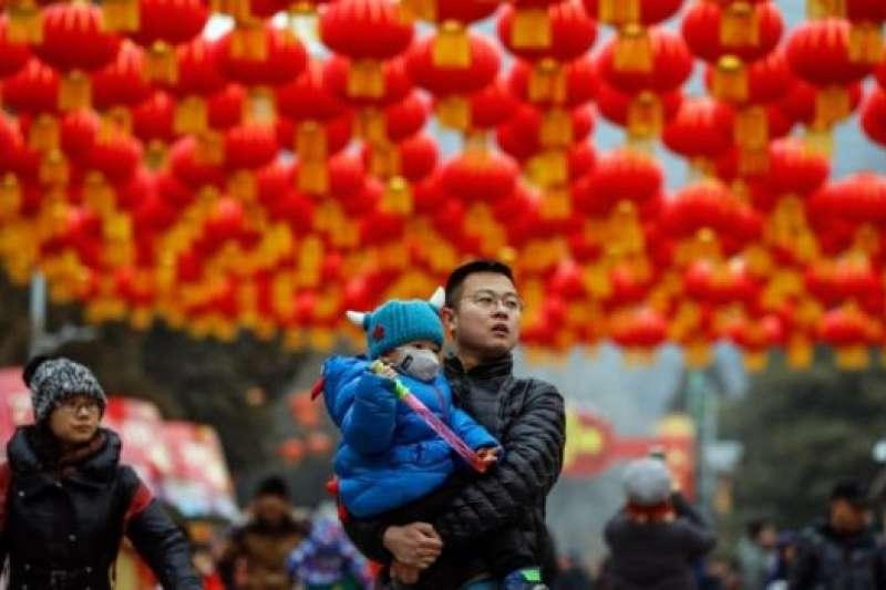 在中國,工薪人口的比例僅為 8.4%,卻貢獻了 58.11% 的個稅