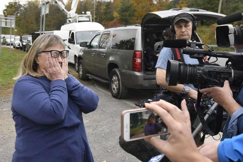 紐約喜事變喪事:罹難者親屬接受採訪時難掩悲痛(AP)
