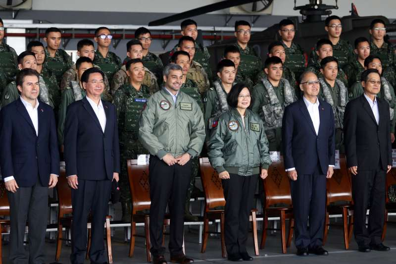 20181009-第三作戰區「地空聯合作戰」,總統蔡英文、巴拉圭總統阿布鐸出席演習現場。(蘇仲泓攝)