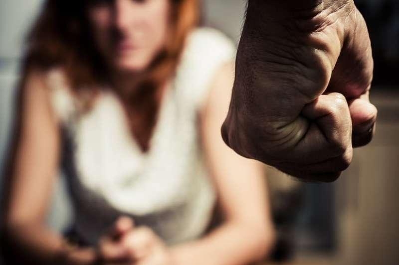 施暴者有矯正的可能嗎?(圖/BBC中文網)