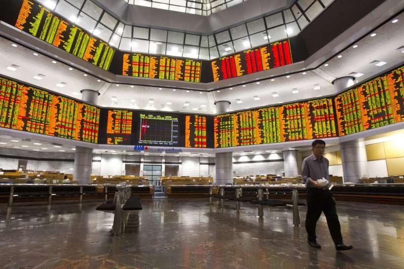 部分新興國家央行開始購入當地貨幣債,通膨下降提供新興國家央行的購債空間。(AP)