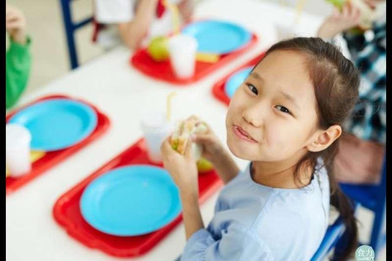 灃食教育基金會「校園5餐」改造計畫,用「教育、美感、美味、實踐、溝通」5個know how,期望為台灣校園午餐議題帶出新的方向。(圖/食力foodNEXT提供)