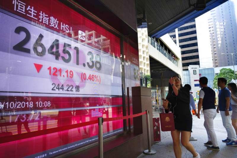 《逃犯條例》影響,香港資金竄逃,港股跌幅亞洲第一,香港已不再是以前的香港了!(美聯社)