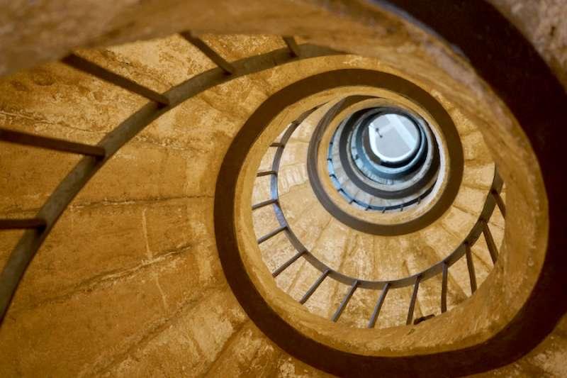 文藝復興時期麥迪奇別墅的螺旋階梯(曾廣儀攝)