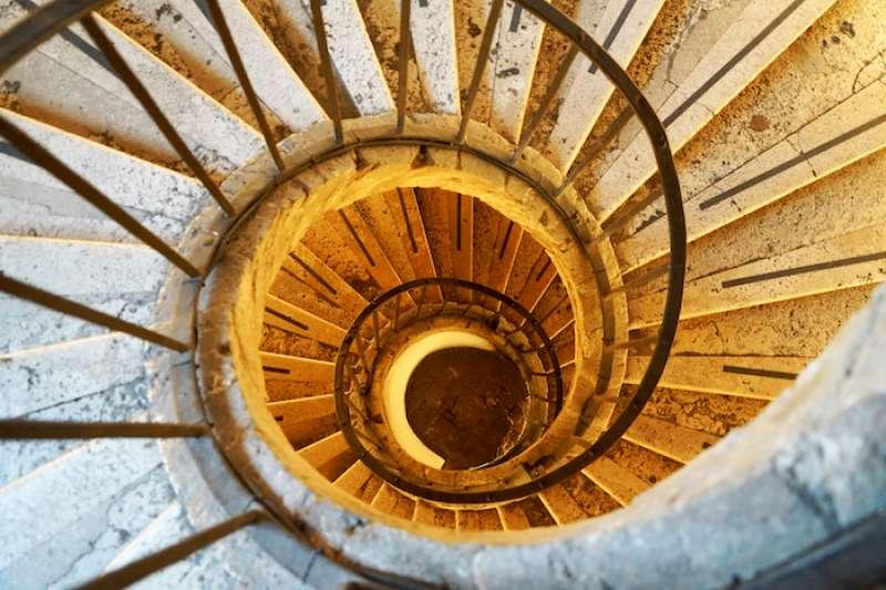 Ts別墅石頭螺旋型階梯(曾廣儀攝)
