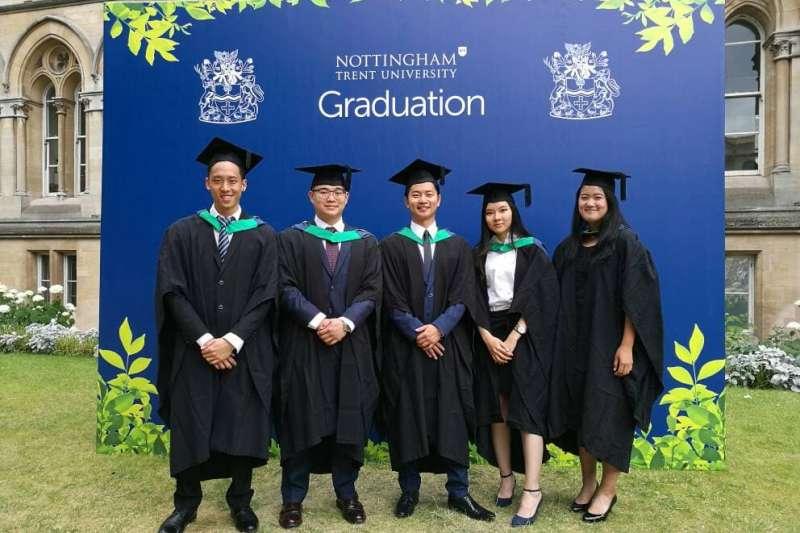 義守大學長期推動國際化,每年均積極薦送學生至海外交換、修習雙聯學位。(圖/義守大學提供)