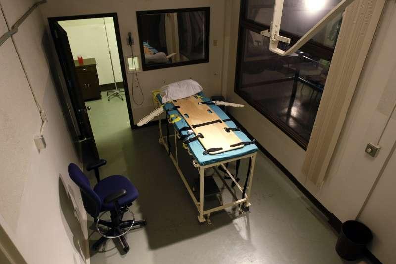 華盛頓州的死刑執行室曾在2008年開放參觀,圖為為嫌犯注射死刑藥劑的裝置。(AP)