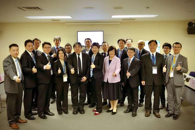 台灣醫界聯盟基金會11日在橫濱舉行台日再生醫療產官學專家會議,對再生醫療最新的趨勢與進展進行意見交換。(圖/長庚醫院提供)