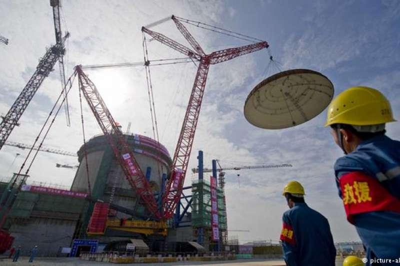 美國限制對中核技術出口,以阻止中方把其用於軍事或政治用途。圖為中國海南省一個核電廠工地。(德國之聲)