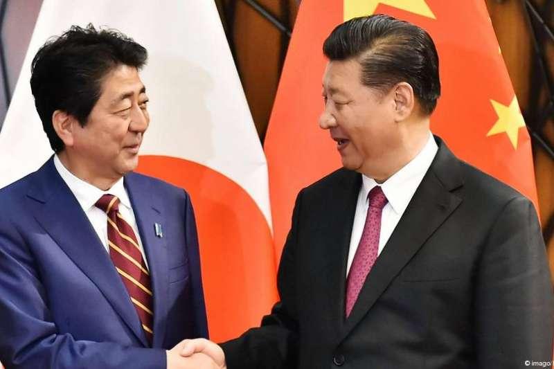 日本首相安倍晉三欲意促成日中關系和解,將於10月25日至27日對中國進行正式訪問。而在川普似乎要對中國發動新的貿易「冷戰」之際,安倍此舉頗受中方歡迎。(DW)