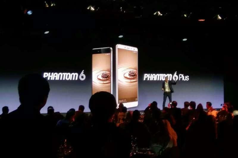 中國手機品牌傳音(Transsion)攻占非洲市場,圖為旗艦品牌Tecno的新機發表會(翻攝傳音官網)