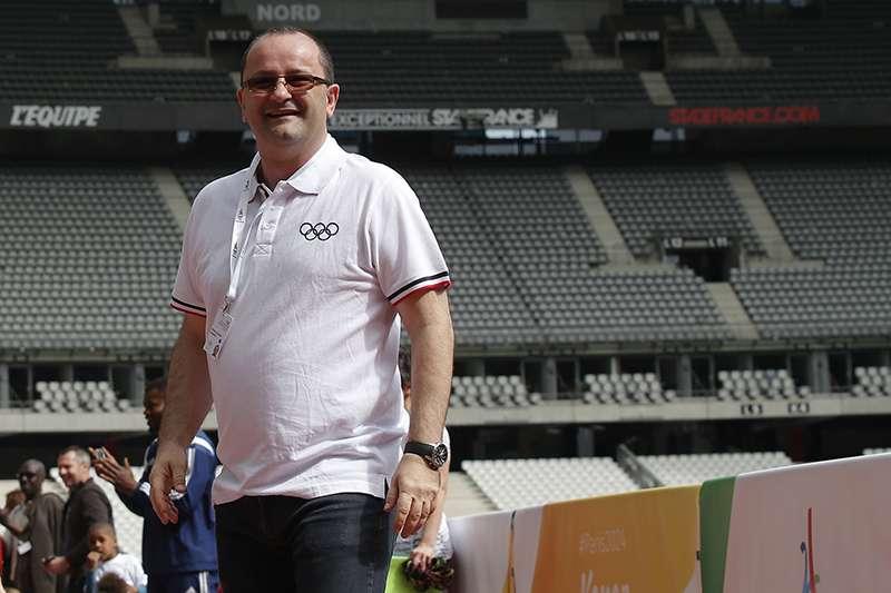 FIBA國際籃球總會秘書長鮑曼,今天傳出在阿根廷出席2018青年奧運活動時,因為心臟病而緊急送醫不治,享年51歲。(美聯社)