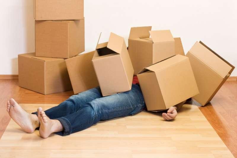 搬家好累人,到底找個搬家公司要花多少?(圖/Flickr)