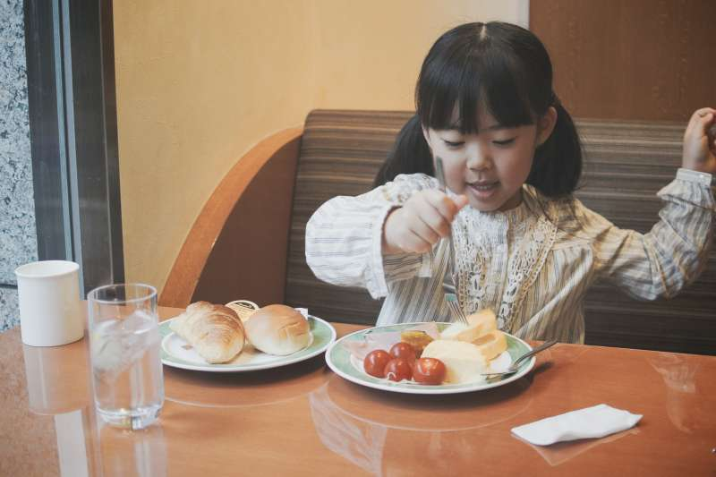 食物擺設對兒童的食慾有很大的影響。(圖/MIKI Yoshihito@flickr)