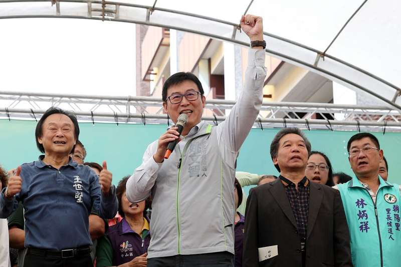 20181015_民進黨台北市長參選人姚文智(左二)。台北市議員王世堅(左一)。(取自姚文智臉書)