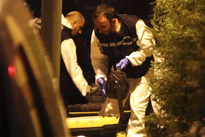 2018年10月15日,土耳其警方首度進入沙烏地阿拉伯駐伊斯坦堡領事館ˋ搜查,調查沙國記者哈紹吉失蹤案。(AP)