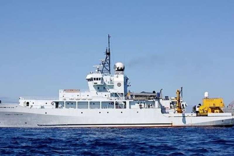 隸屬美國海軍研究辦公室的科學研究船RV Thomas G. Thompson(T-AGOR-23)昨天靠泊高雄港,科研船在高雄在美軍太平洋艦隊軍演前夕出現在高雄港,引發關注。(取自Lu Li-Shih臉書)