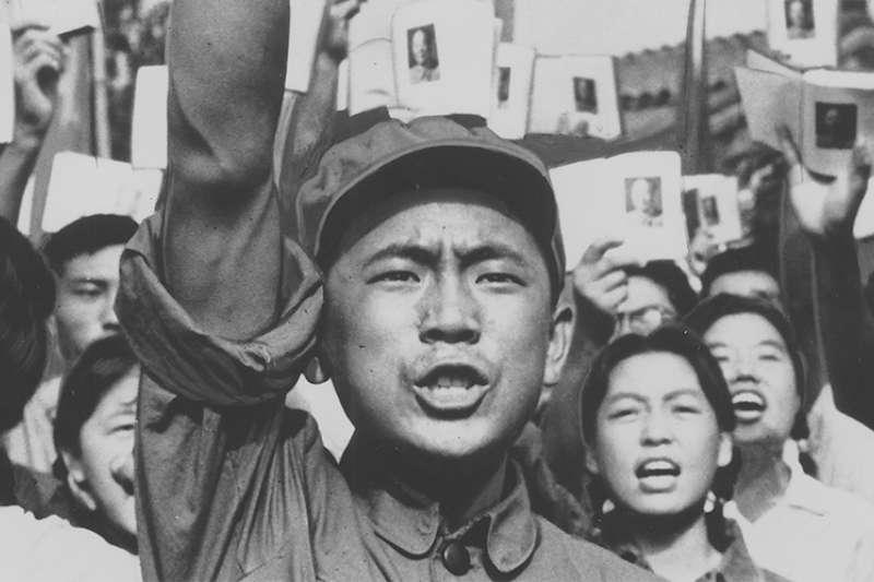 龍應台文化基金會「秋季思沙龍」第2場講座以「1949中國內戰的七十年後」為主題,搭配「中國,革命世紀」紀錄片放映,從歷史脈絡探討東亞複雜局勢。(取自龍應台文化基金會思沙龍)