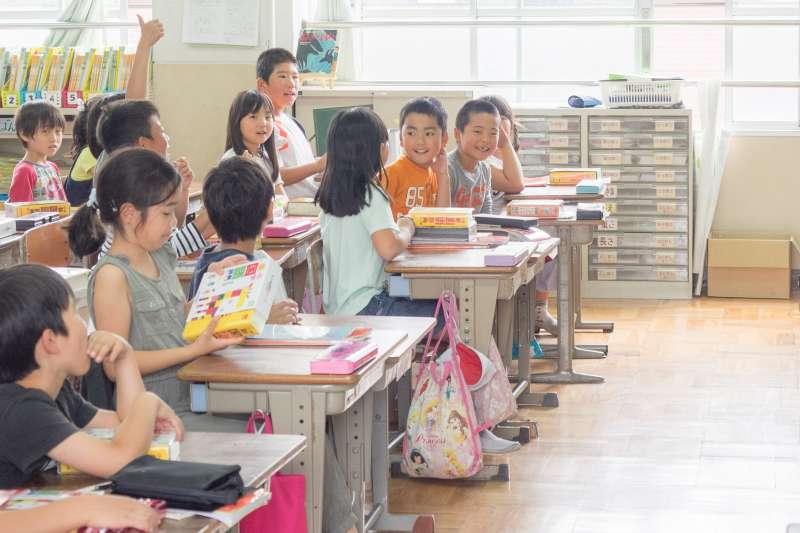 在現代,教育的重點在learning how to learn,分數和成績已經是過去式,新加坡甚至明令學校不可再排名次。(圖/Norihiro Kataoka@flickr)