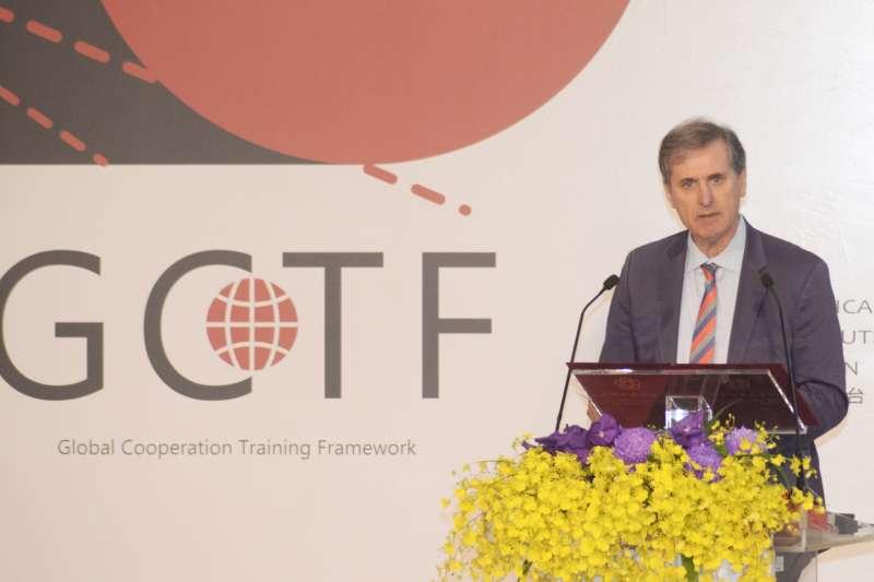 20181018-AIT美台「全球合作暨訓練架構」(GCTF)舉辦「培養媒體識讀以捍衛民主」工作坊,國務院副助理國務卿巴斯比。(甘岱民攝)