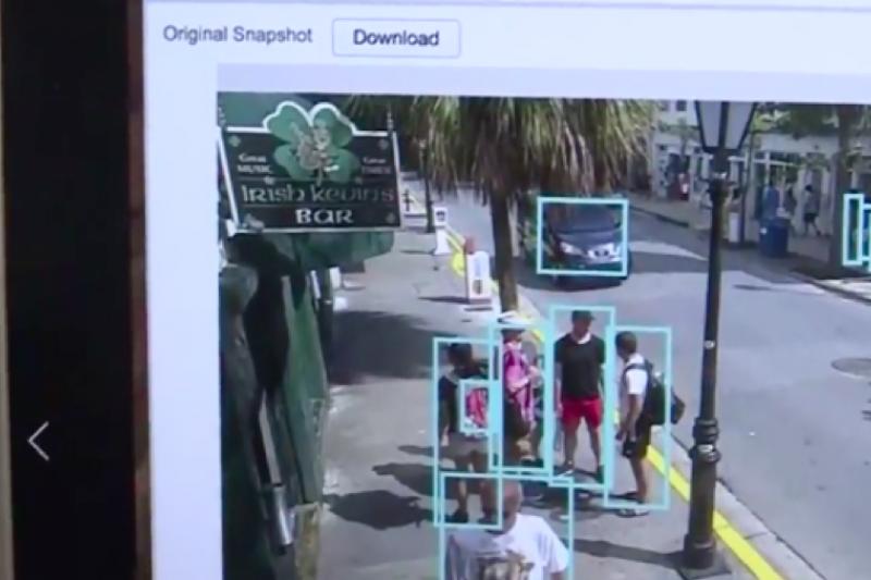 鐵雲科技「AI NVR®人工智慧影像分析系統」能根據影像辨識,判斷人或物體。(圖:鐵雲科技提供)