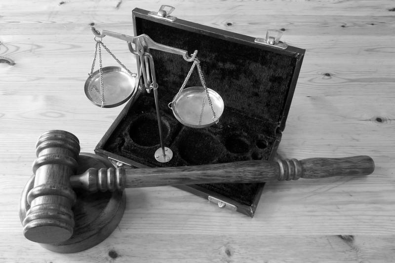 法庭 審判 天平 司法(取自succo@pixabay/CC0)