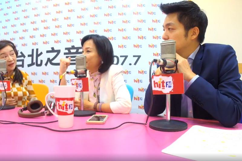 立委柯志恩(中)和蔣萬安(右)接受資深媒體人周玉蔻主持的《蔻蔻早餐》專訪,討論國民黨高雄市長候選人韓國瑜。(取自蔻蔻早餐影片截圖)