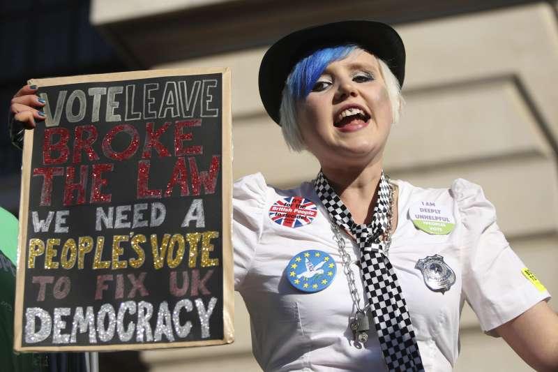 2018年10月20日,70萬英國民眾走上街頭,反對英國脫歐(Brexit)、要求二次公投(AP)