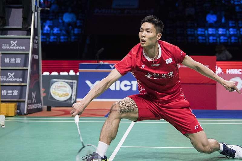 周天成在福州中國公開賽16強,以21比15、21比19擊敗馬來西亞好手劉國倫,晉級到8強。(美聯社)