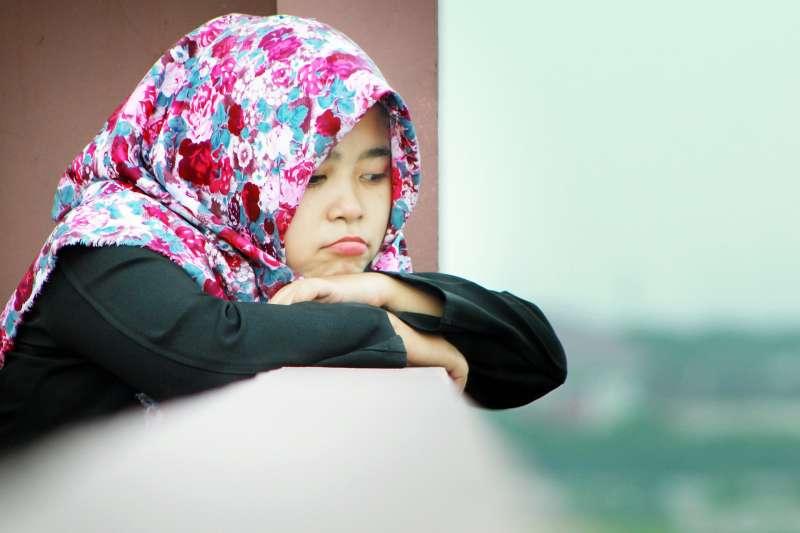 丈夫來台當漁工,竟一夕成了殺人犯…她從印尼千里來尋夫。(示意圖非本人/pixabay)