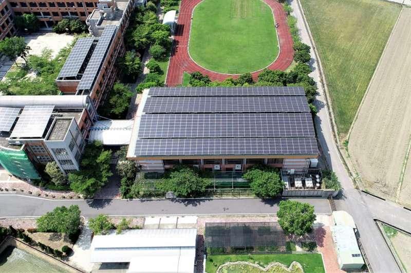 太陽能系統建置商「天泰能源」,位於雲林特殊教育學校的太陽能建置。(取自天泰能源臉書)