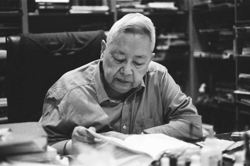 余英時是美國華裔歷史學家、漢學家,曾任中研院院士,為首屆唐獎「漢學獎」得主。(允晨文化提供)