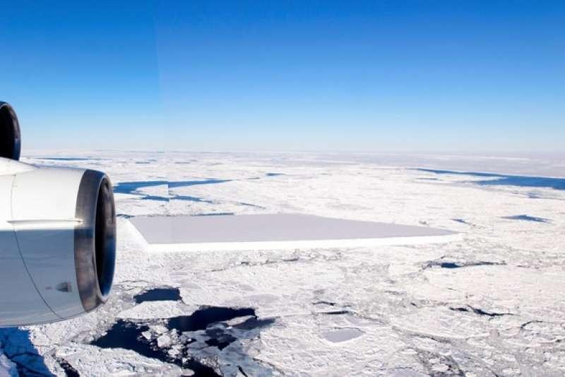 南極海出現巨大冰塊(圖/潮日本|NASA‧Jeremy Harbeck)