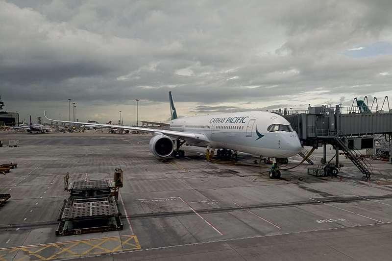 國泰航空14日宣布即將開設航北美新航線。圖為首架A350-900客機B-LRA(資料照,取自瑞丽江的河水@Wikipedia / CC BY-SA 4.0)