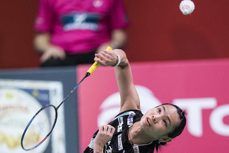 世界球后戴資穎16日僅花27分鐘,以21比15、21比9輕取泰國選手妮恰翁,挺進丹麥羽球公開賽16強。(美聯社)