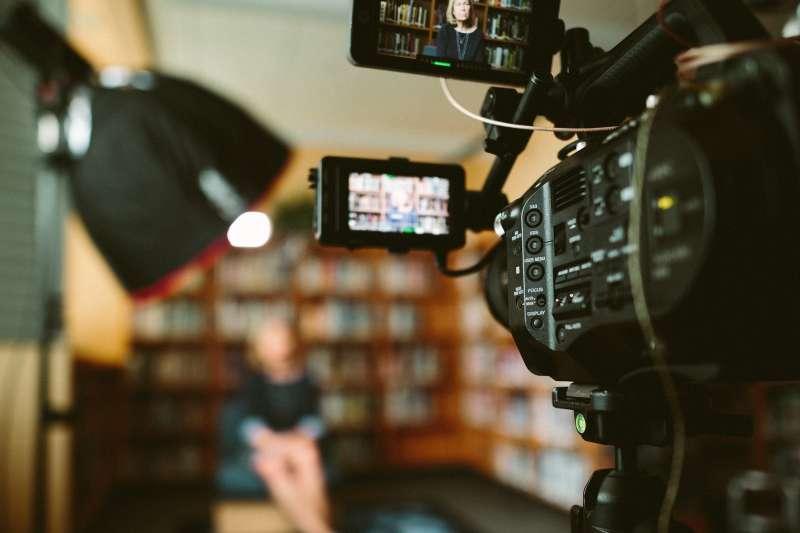 電影產業景氣不好,新生代電影人出走。(圖/Pixabay)