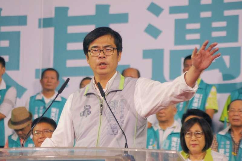 陳其邁表示,未來他將要求台電、中鋼、中油等三大國營企業加強空汙減量,打造綠色高雄。(圖/陳其邁競選辦公室提供)