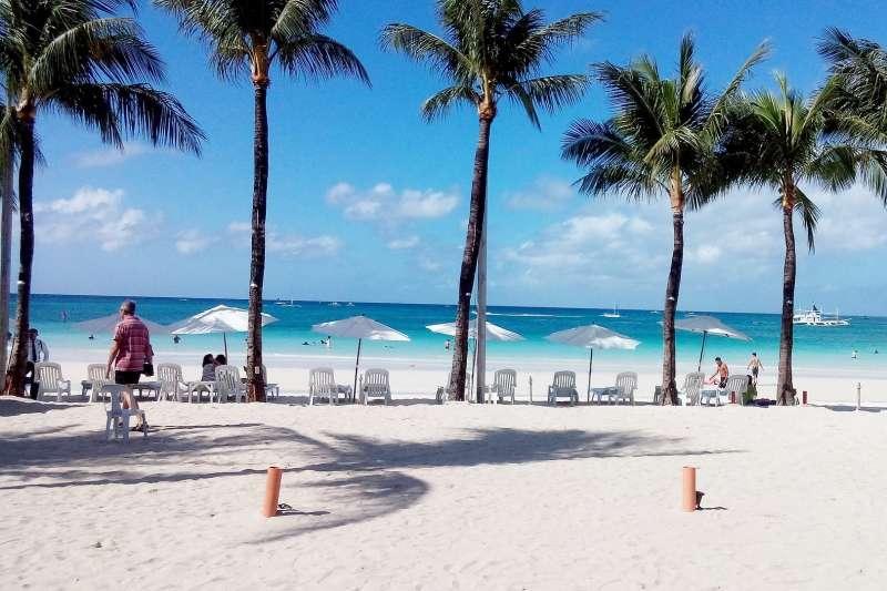 長灘島封島半年後,不准戲水、不准沙灘開趴,呈現新的風貌。(圖/pixabay)