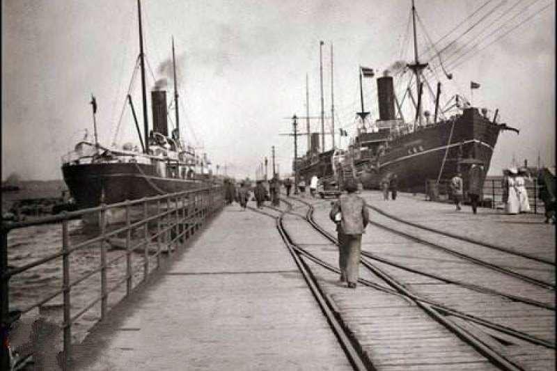 在這沒有歷史的橫濱,唯一的歷史就是「橫濱下水道」,一直以來橫濱人都認為,橫濱人使用自己建造的橫濱下水道送來的水生活,進而發展茁壯。(資料照,澎湃新聞提供)