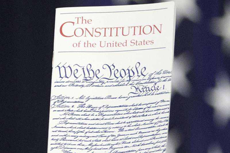 美國憲法第14修正案保障「出生公民權」。(美聯社)