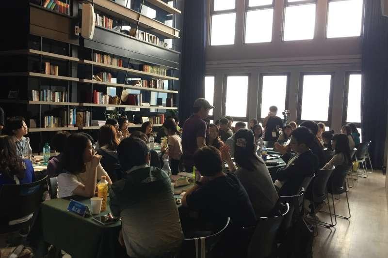 POPO城邦原創作家培育課程邀請知名作家、學者、出版相關人士授課,分別就創作學習與實做活動,將技巧與經驗分享給學員,增廣創作視野。(圖/城邦原創提供)