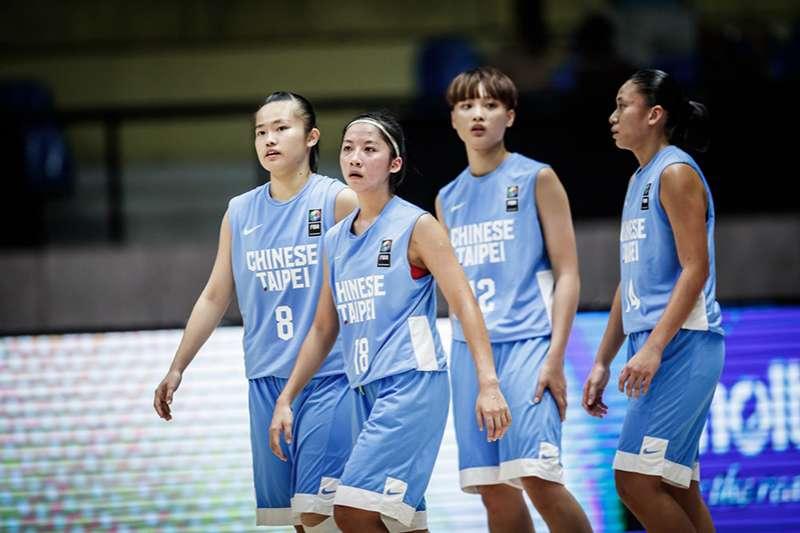中華U18亞青女籃在是否晉級4強一戰面對高大的中國,拼盡全場依然以27分不敵中國惜敗,將與紐西蘭進行5-6名排名賽。(圖取自FIBA官網)