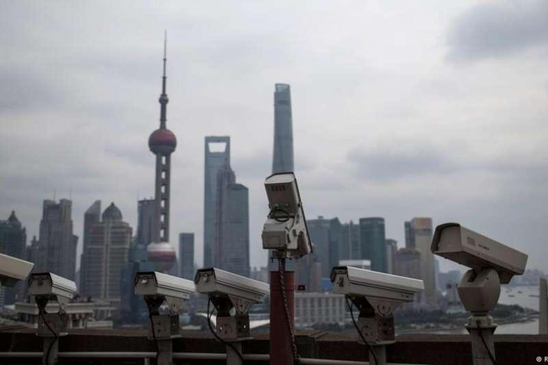 中國經濟迅猛發展的同時,政府對社會的監控也變得更加嚴密。(DW)