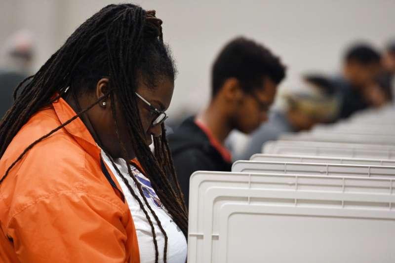 今年10月27日,美國喬治亞州的選民為期中選舉提前投票(美聯社)