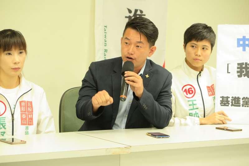 基進黨高雄市議員候選人陳柏惟曾嗆「韓國瑜當選高雄市長,就要搬離高雄」,他7日履行承諾,從高雄搬家至台南。(資料照,基進黨提供)